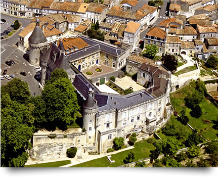 Le Château de Jonzac vue aérienne
